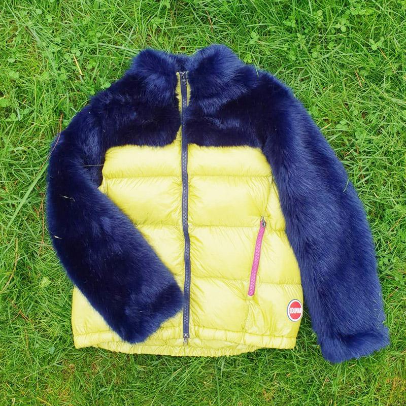 Piumino da donna Colmar, colore giallo e blu con maniche in pelo
