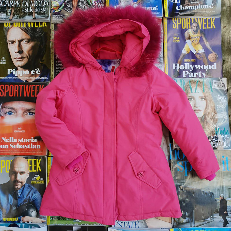 piumino rosa con cappuccio in pelo, marca Freedomday