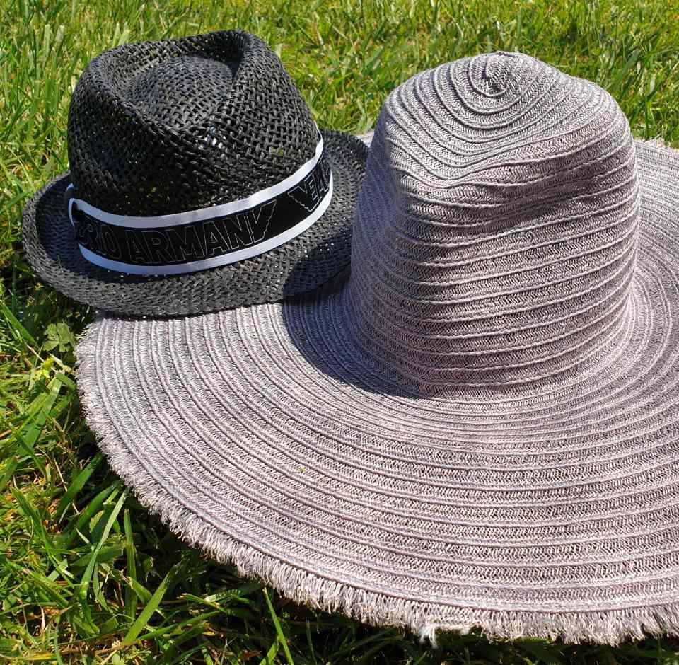 cosa mettere in valigia - cappello di paglia