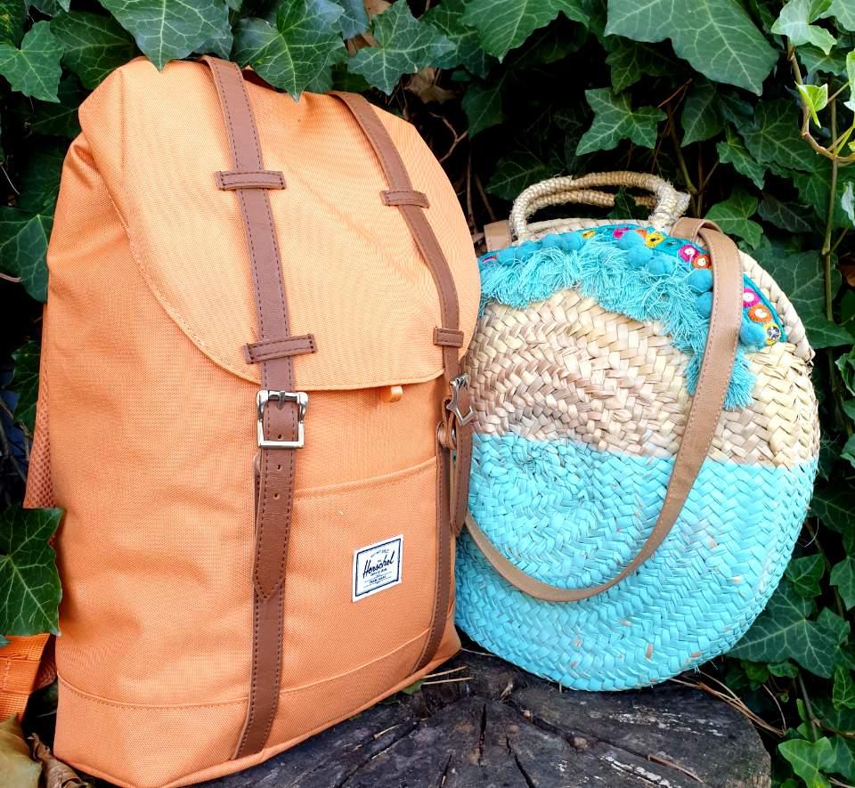 Cosa mettere in valigia per le vacanze - borsa da mare o zaini